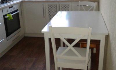 Як підібрати обідній стіл для маленької кухні?